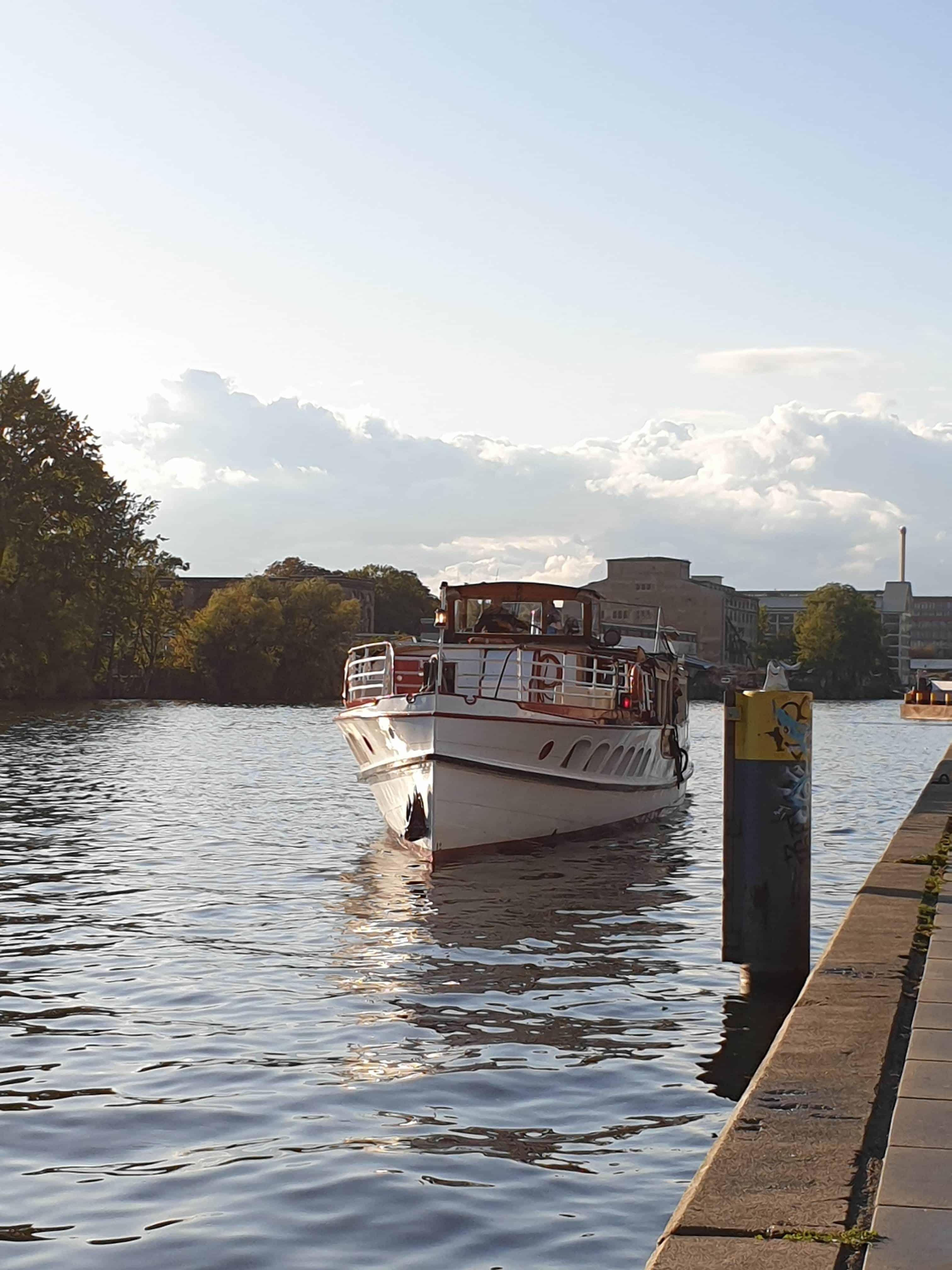 MeasureCamp Ausflugsboot